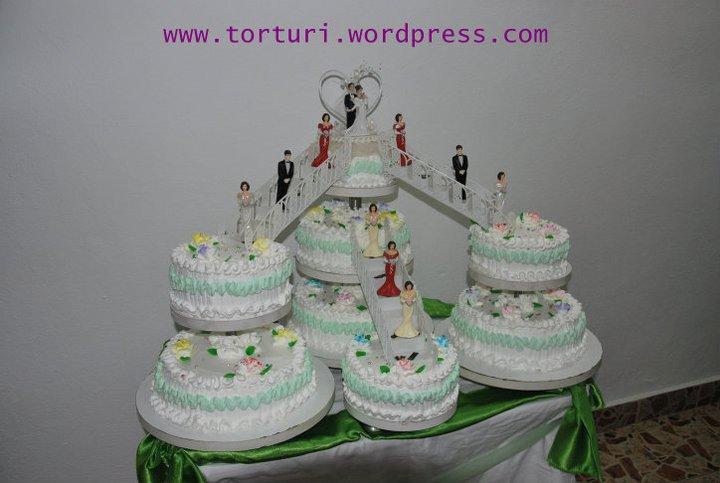 tort de nunta etaje