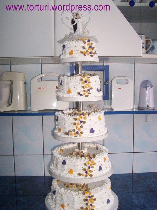 tort de nunta cu etaje