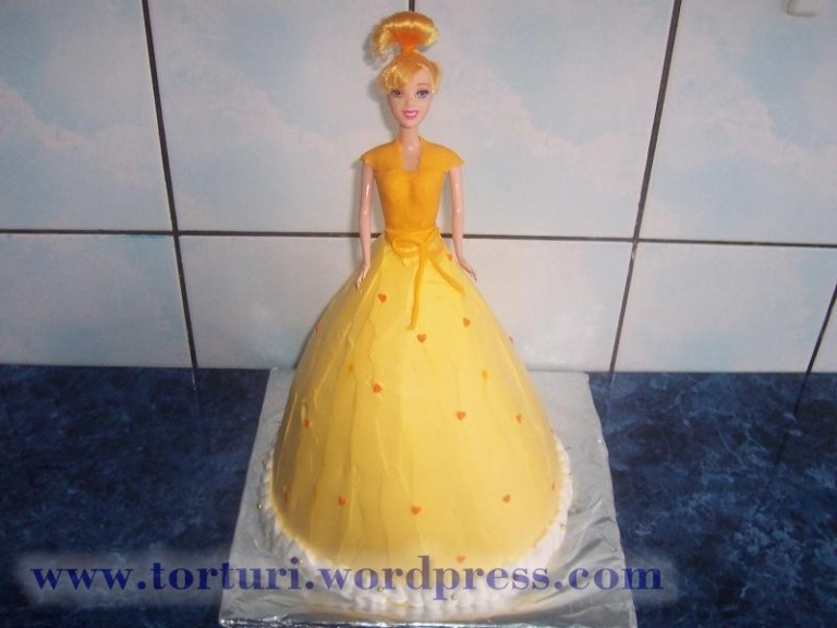 tort papusa barbie